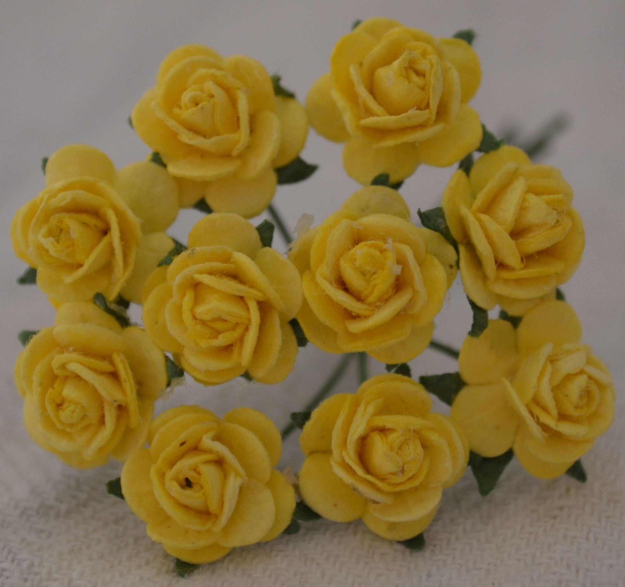 1 Cm Light Yellow Mulberry Paper Roses