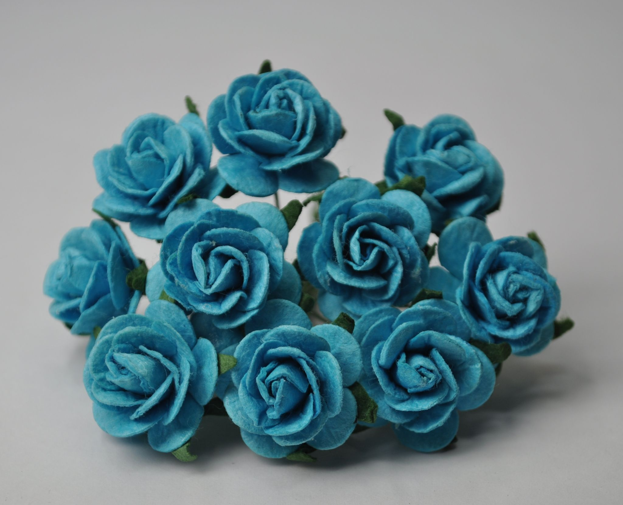 7158b318d42c 2.5cm TURQUOISE BLUE Mulberry Paper Roses only flower head