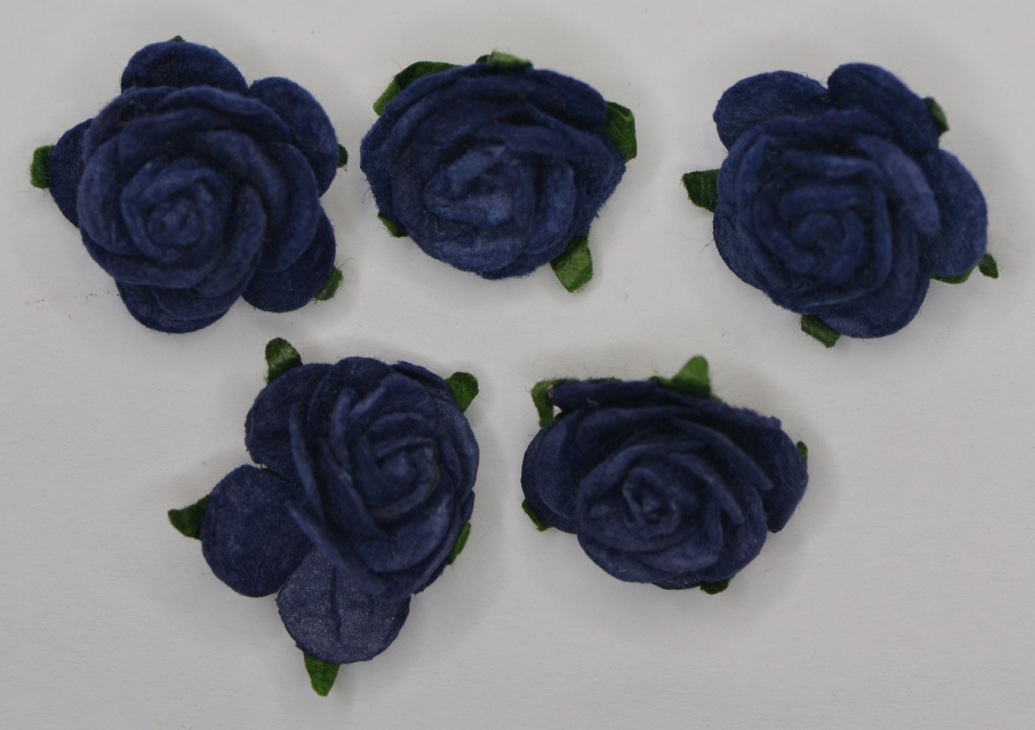 f93fdbc4255f 2.5cm VERY DARK NAVY BLUE Mulberry Paper Roses (only flower head)
