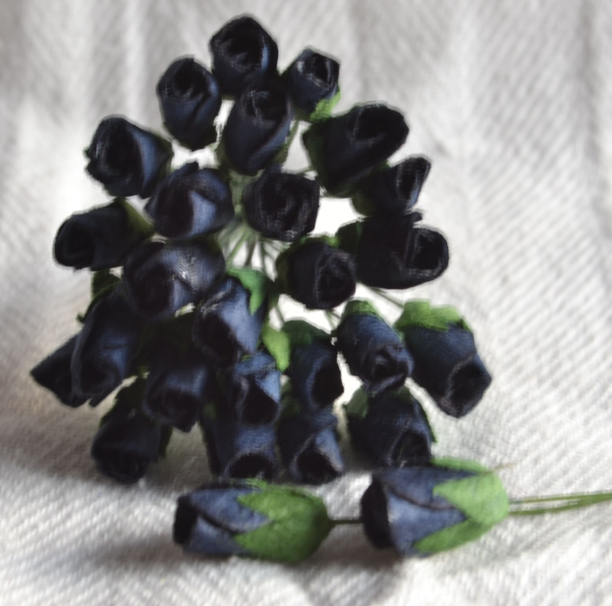 4mm Midnight Blue Black Rose Buds Mulberry Paper Flowers