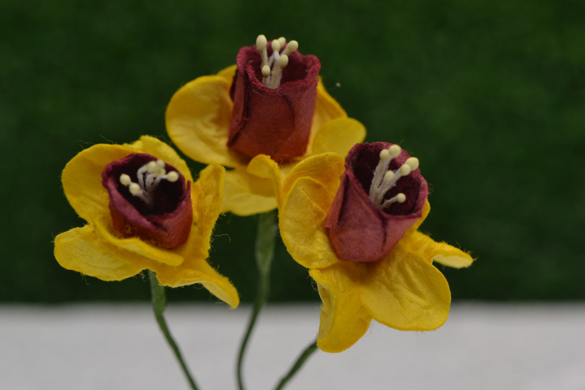 Yellow With Burgundy Cup Daffodil Nacissus 21cm Mulberry Paper Flowersu